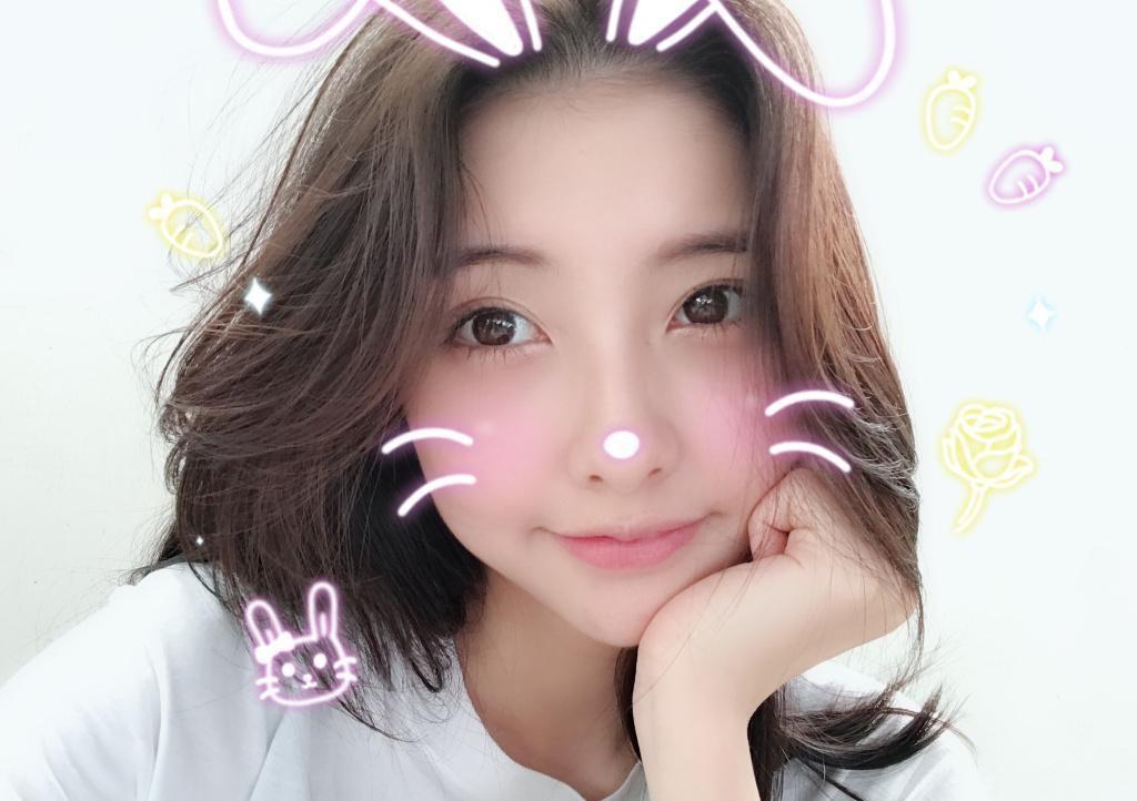 Đến bạn gái cũ Vương Tư Thông cũng bị bóc mẽ nhan sắc thật sau khi tắt nhầm filter làm đẹp tự động lúc livestream - Ảnh 7.