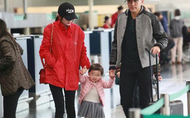 Dương Mịch sẽ về Hong Kong đón Tết cùng Tiểu Gạo Nếp để bù đắp tình cảm cho con gái? - Ảnh 1.