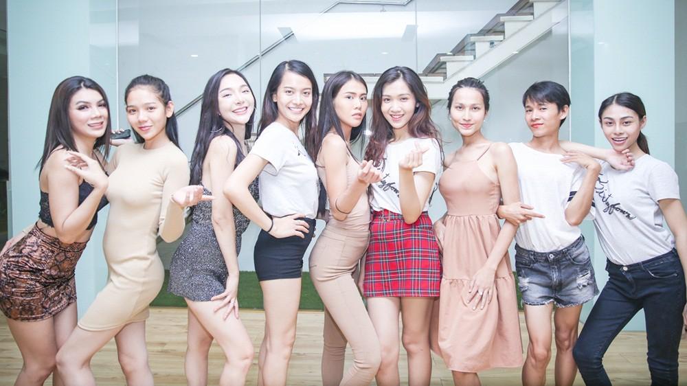 Chiêm ngưỡng nhan sắc ít son phấn và vóc dáng của các mỹ nhân chuyển giới kế nhiệm Hương Giang - Ảnh 1.