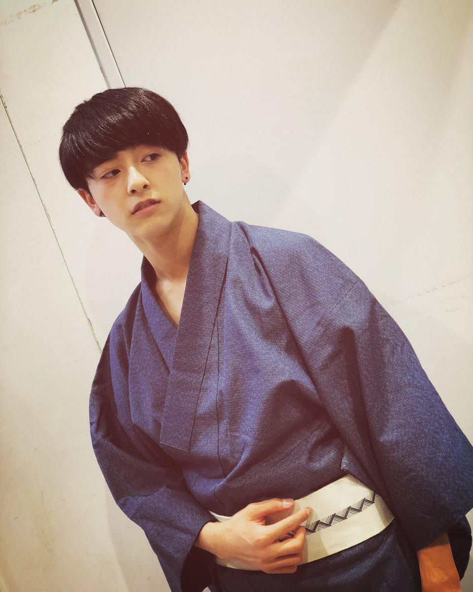 Từng bị bắt nạt vì ngoại hình nổi bật, cậu bạn 18 tuổi bật khóc sau khi đăng quang Nam sinh đẹp trai nhất Nhật Bản - Ảnh 9.