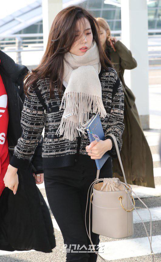 """Diện """"áo đôi"""" với Jennie theo 1 cách khác mà vẫn đẹp ngang ngửa, Jisoo quả xứng danh """"đỉnh cao Visual"""" - Ảnh 3."""