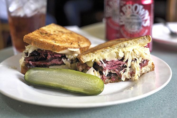 Phi hành gia thèm bánh sandwich đến mức mạo hiểm đưa chiếc sandwich thịt muối đầu tiên bay vào vũ trụ - Ảnh 5.