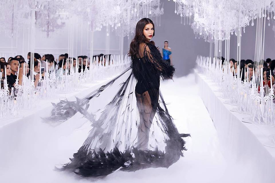 Thưởng lãm xong show của Lý Quí Khánh lại càng xuýt xoa trước bữa tiệc xa hoa 8 năm trước của Chanel - Ảnh 3.