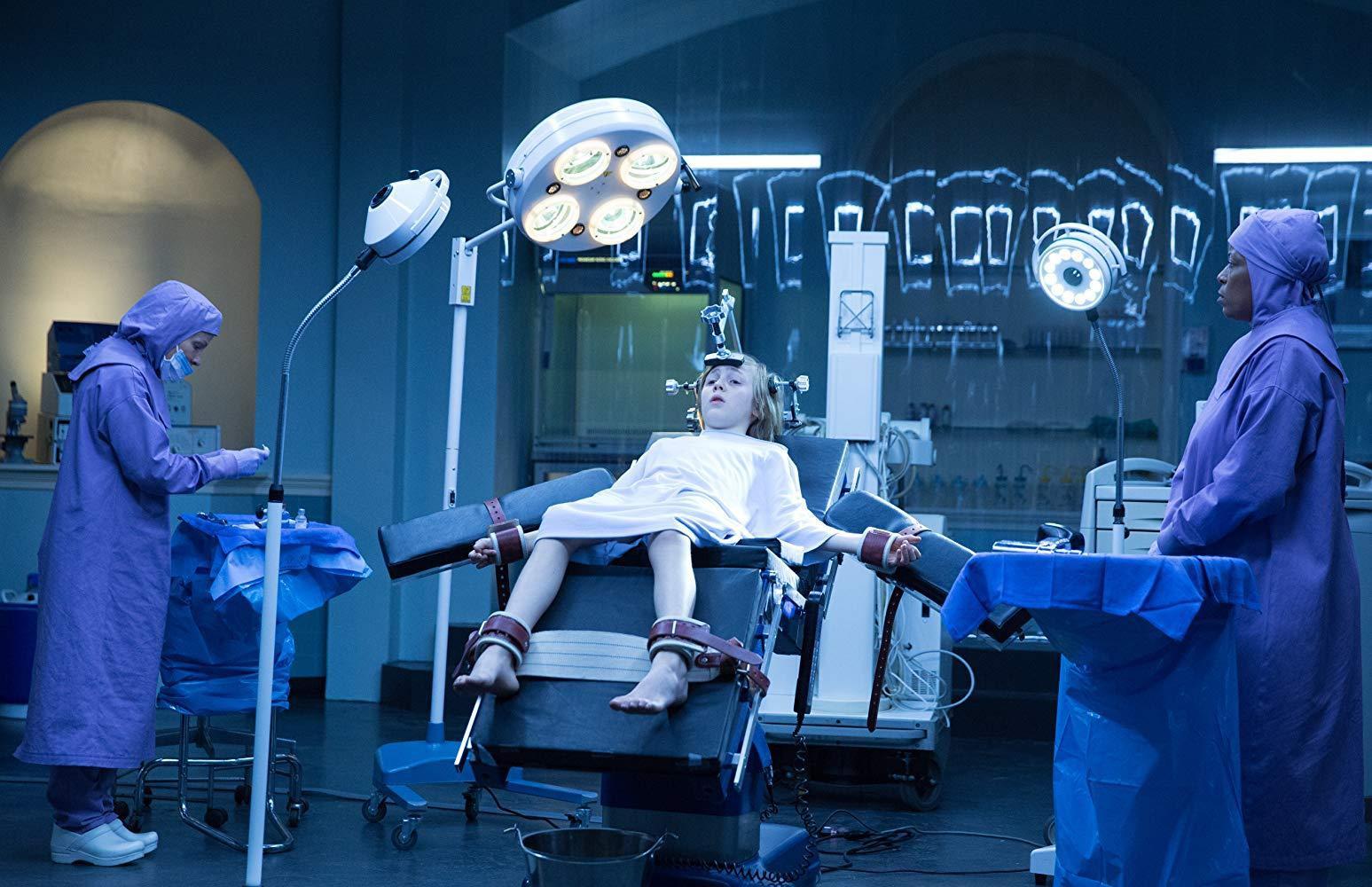 Review Eli: Sởn gai ốc vì phòng khám kinh dị, xem đến cuối để không bỏ lỡ cú twist sốc! - Ảnh 4.