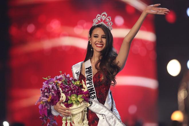 Top những hoa hậu học giỏi bậc nhất thế giới, Việt Nam cũng góp mặt 2 đại diện siêu đỉnh: Người thi ĐH 29.5 điểm, người là du học sinh - Ảnh 9.