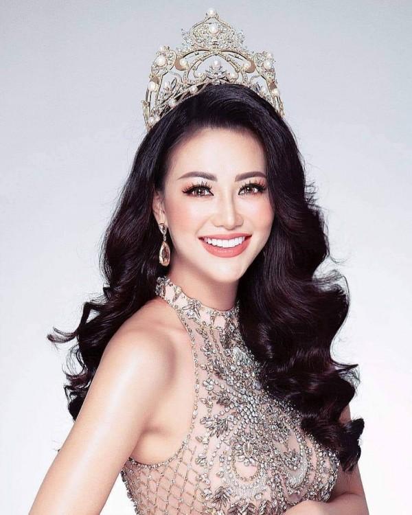 Top những hoa hậu học giỏi bậc nhất thế giới, Việt Nam cũng góp mặt 2 đại diện siêu đỉnh: Người thi ĐH 29.5 điểm, người là du học sinh - Ảnh 19.