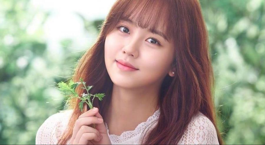 Hình mẫu trong mơ của thiếu nam Châu Á - Kim So Hyun: Vì nổi tiếng nên phải bỏ học từ sớm, có nụ hôn đầu năm 13 tuổi - Ảnh 1.