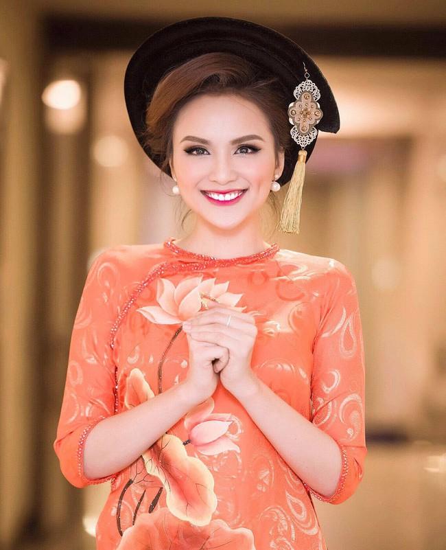 Hoa hậu Diễm Hương lần đầu đăng ảnh bố mẹ sau hơn 4 năm bị từ mặt - Ảnh 3.