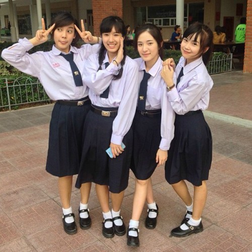 Ngắm đồng phục học sinh các nước châu Á: Nhật Hàn đẹp miễn bàn, sexy gợi cảm nhất là Thái Lan nhưng không đâu độc đáo như Malaysia - Ảnh 4.