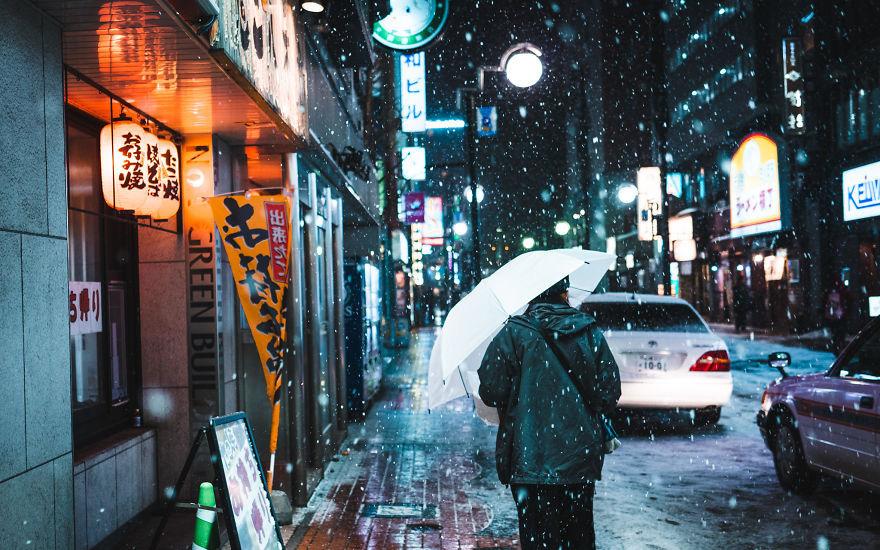 """Bộ ảnh phố Nhật về đêm đầy """"ảo diệu"""" đang gây sốt cộng đồng mạng, hóa ra mùa đông xứ hoa anh đào đẹp đến thế sao?"""