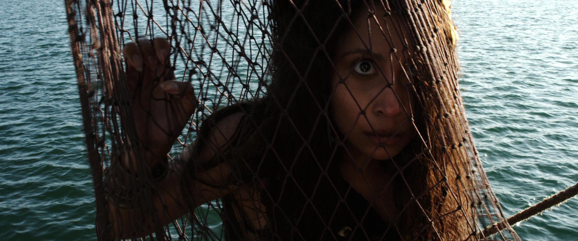 Phim rạp cuối tuần: Nữ Hoàng Băng Giá đối đầu với người cá mất đuôi, nữ cường nào sẽ về đích trước? - Ảnh 13.