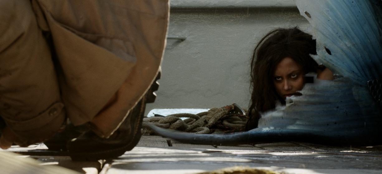 Phim rạp cuối tuần: Nữ Hoàng Băng Giá đối đầu với người cá mất đuôi, nữ cường nào sẽ về đích trước? - Ảnh 14.