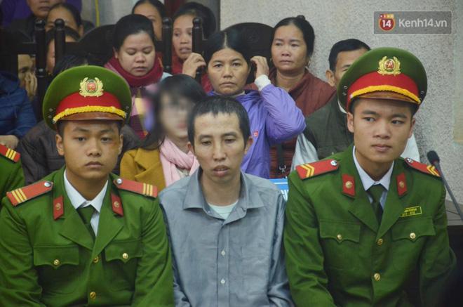 Kết thúc phiên xử buổi sáng vụ mẹ nữ sinh giao gà cùng đồng phạm: Vì Thị Thu phản cung, bà Hiền nói mình bị oan - Ảnh 12.