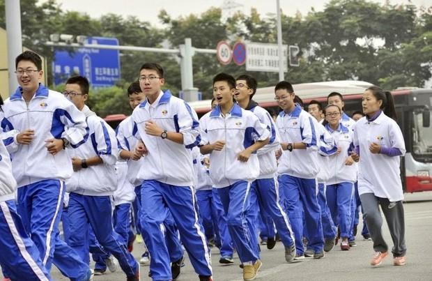 Ngắm đồng phục học sinh các nước châu Á: Nhật Hàn đẹp miễn bàn, sexy gợi cảm nhất là Thái Lan nhưng không đâu độc đáo như Malaysia - Ảnh 18.