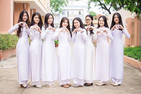 Ngắm đồng phục học sinh các nước châu Á: Nhật Hàn đẹp miễn bàn, sexy gợi cảm nhất là Thái Lan nhưng không đâu độc đáo như Malaysia - Ảnh 11.