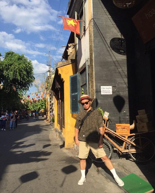 Street style sao Hàn khi sang Việt Nam: Nhìn là thấy cả một bầu trời giản dị - Ảnh 12.