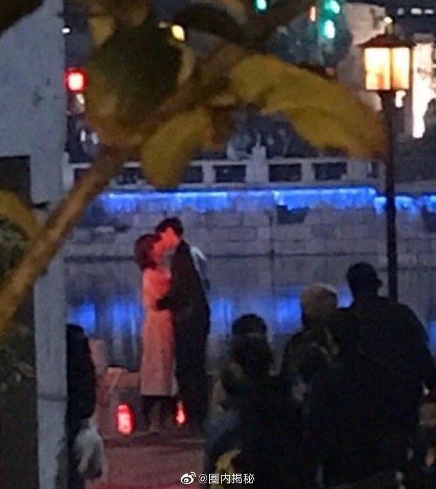 Tiêu Chiến ôm hôn Dương Tử nồng nhiệt bên sông mà vẫn bị dân tình chê không đủ lãng mạn? - Ảnh 1.