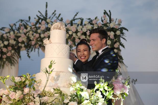 Chiều vợ như Trường Giang: Đang đi đám cưới Hoàng Oanh nhưng vẫn đích thân mua trà sữa cho Nhã Phương - Ảnh 5.