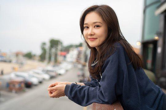 Xử chưa xong tiểu tam ở Vị Khách Vip, Jang Nara vội làm mẹ đơn thân vì ớn đàn ông trong phim mới? - Ảnh 1.