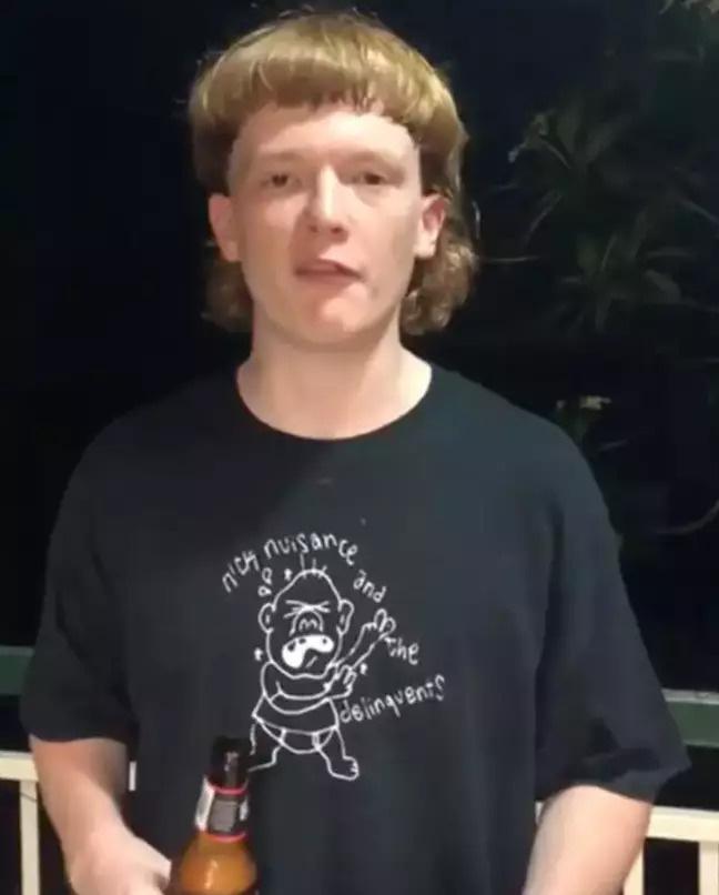 Thanh niên người Úc bị cấm vào quẩy bar vì mái tóc trông xấu như ma cấu - Ảnh 4.