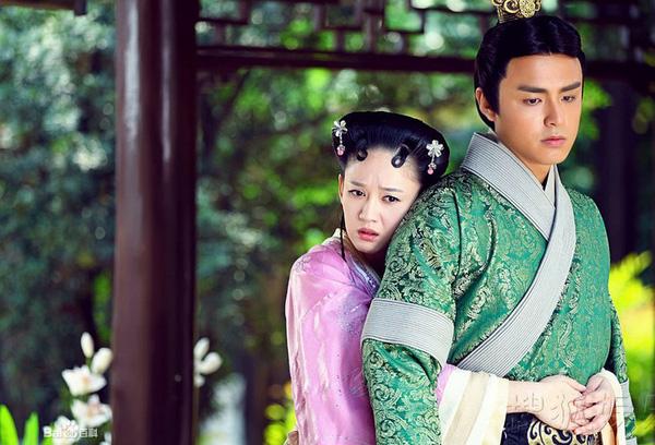 10 tình trẻ màn ảnh của Trần Kiều Ân: Người tài hoa bạc mệnh, kẻ bị cắm sừng đầy đau đớn - Ảnh 3.