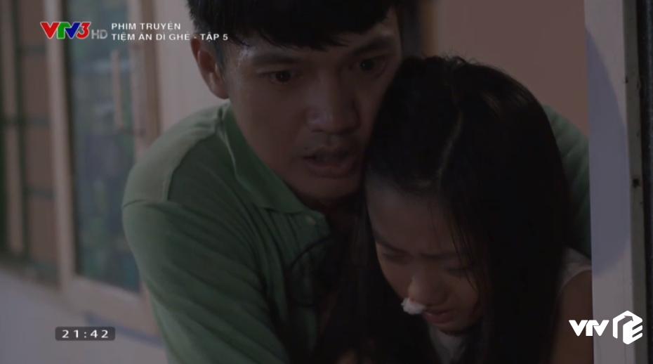 Tiệm Ăn Dì Ghẻ tập 5: Chồng ép bán thân vì hợp đồng nghìn đô, Thiên Kim đau đớn xin làm vợ chứ không làm gái - Ảnh 3.