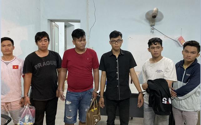 Nhóm thanh niên giả cảnh sát hình sự thực hiện hơn 20 vụ cướp ở Sài Gòn và các tỉnh giáp ranh