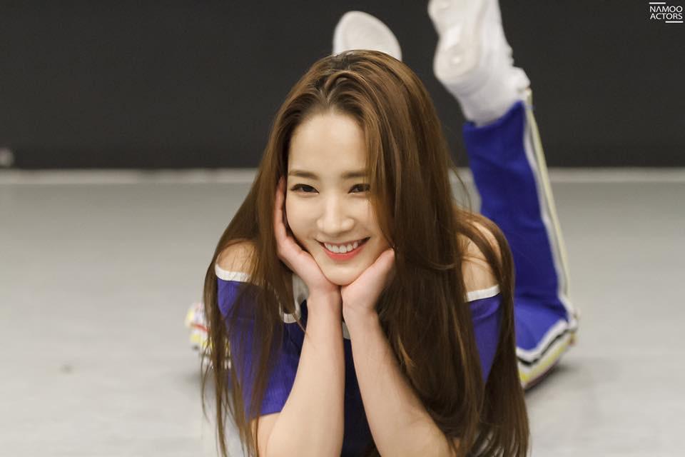 Tập nhảy thôi mà, Park Min Young có cần thiết phải xinh đẹp vậy không? - Ảnh 7.