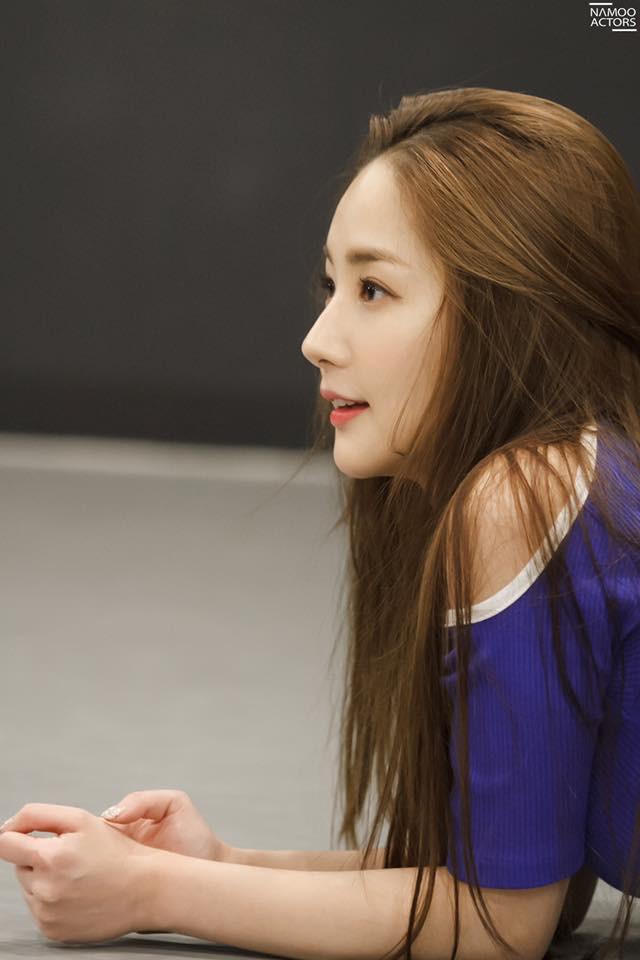 Tập nhảy thôi mà, Park Min Young có cần thiết phải xinh đẹp vậy không? - Ảnh 5.
