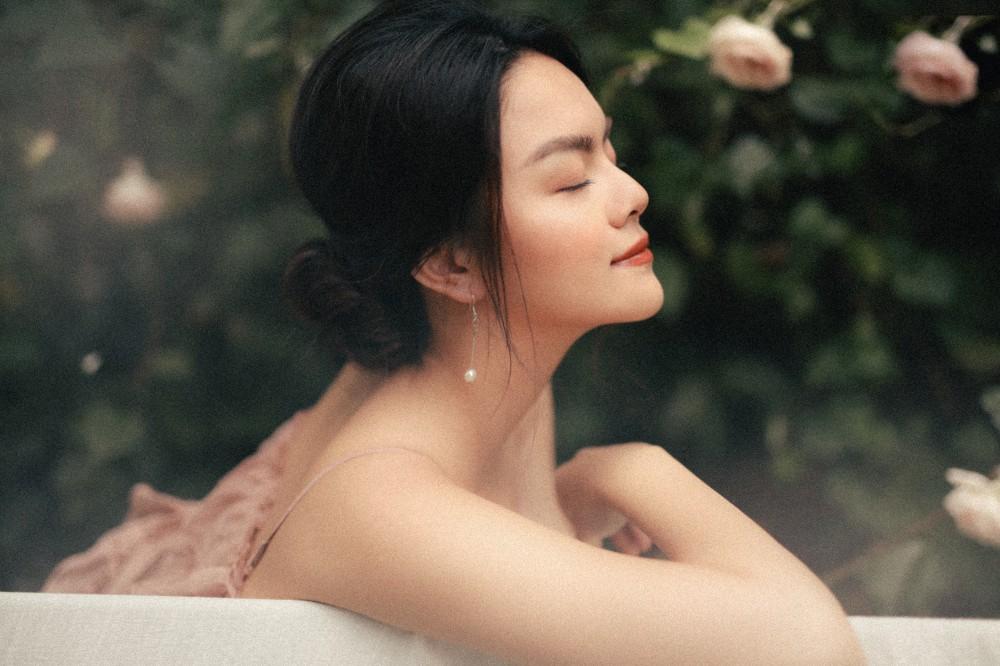 Phạm Quỳnh Anh quyết tâm rũ bỏ hình ảnh buồn bã, tiết lộ bí quyết giữ tinh thần luôn vui vẻ sau mọi biến cố trước thềm Tết Nguyên Đán 2019 - Ảnh 5.