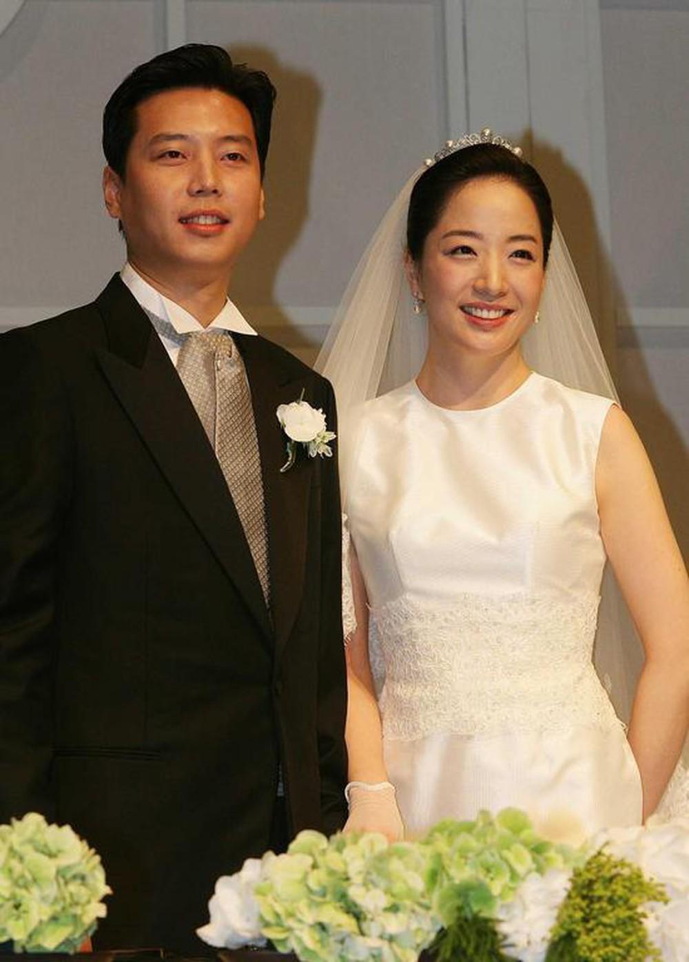 Cuộc sống làm dâu của sao nữ châu Á lấy nhà tài phiệt lừng danh: Đầy thị phi, đáng bội phục nhất là người cuối - Ảnh 5.