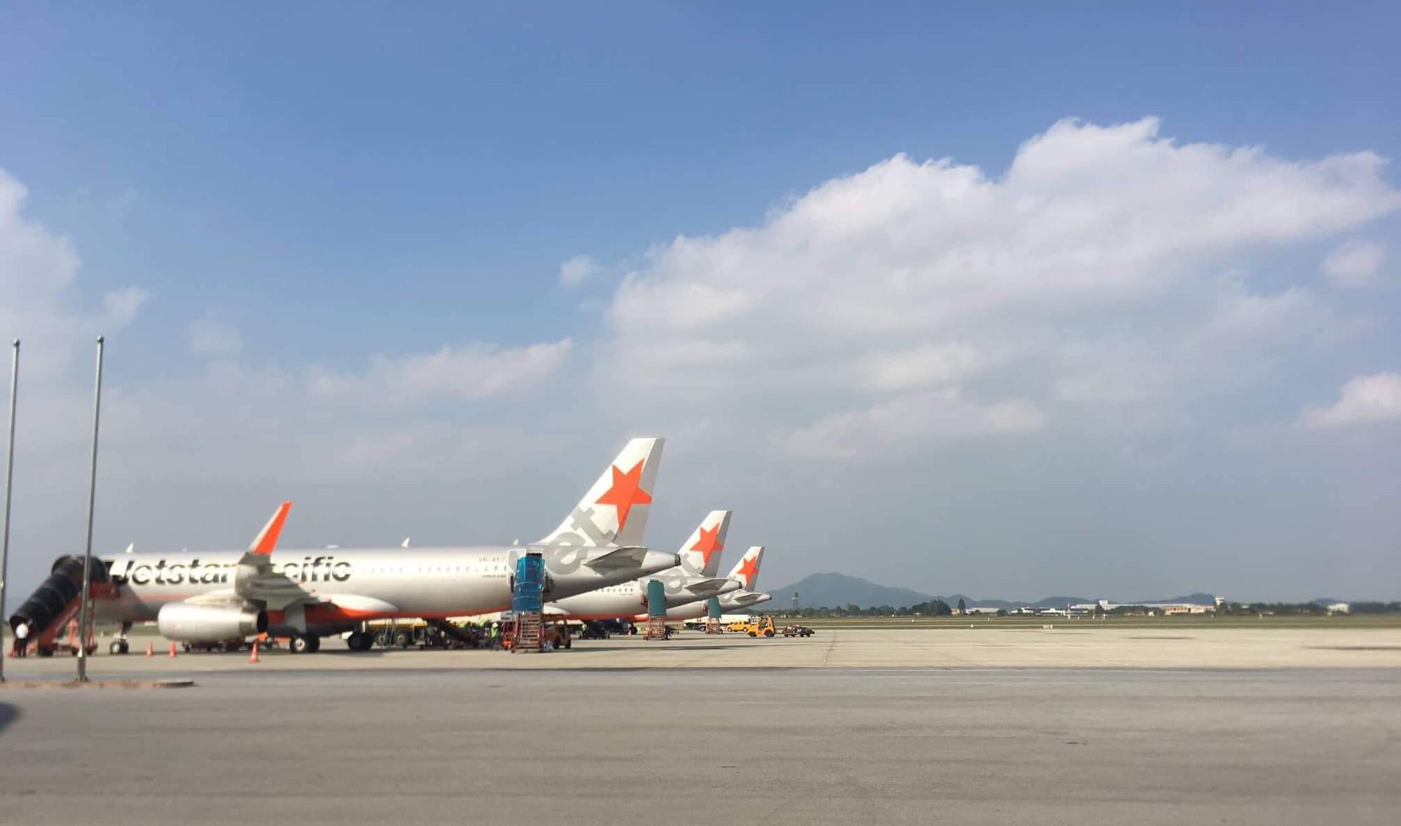 Máy bay đi TP.HCM phải quay đầu cấp cứu nữ hành khách bị khó thở do uống nhiều cà phê, thiếu ngủ - Ảnh 1.