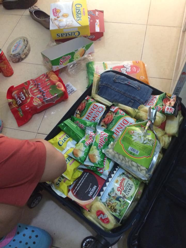 Quay lại thành phố sau nhiều ngày nghỉ Tết, chẳng phải áo quần, bánh kẹo, nước ngọt mới là hành lý của những người con xa nhà - Ảnh 6.