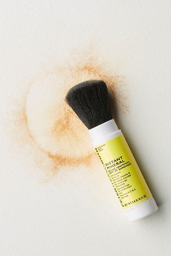 Bôi KCN ngày nóng ghét nhất là da bị bóng nhờn, vậy nên bạn sẽ cần đến 8 sản phẩm chống nắng dạng lì giữ da ráo mịn cả ngày này - Ảnh 7.