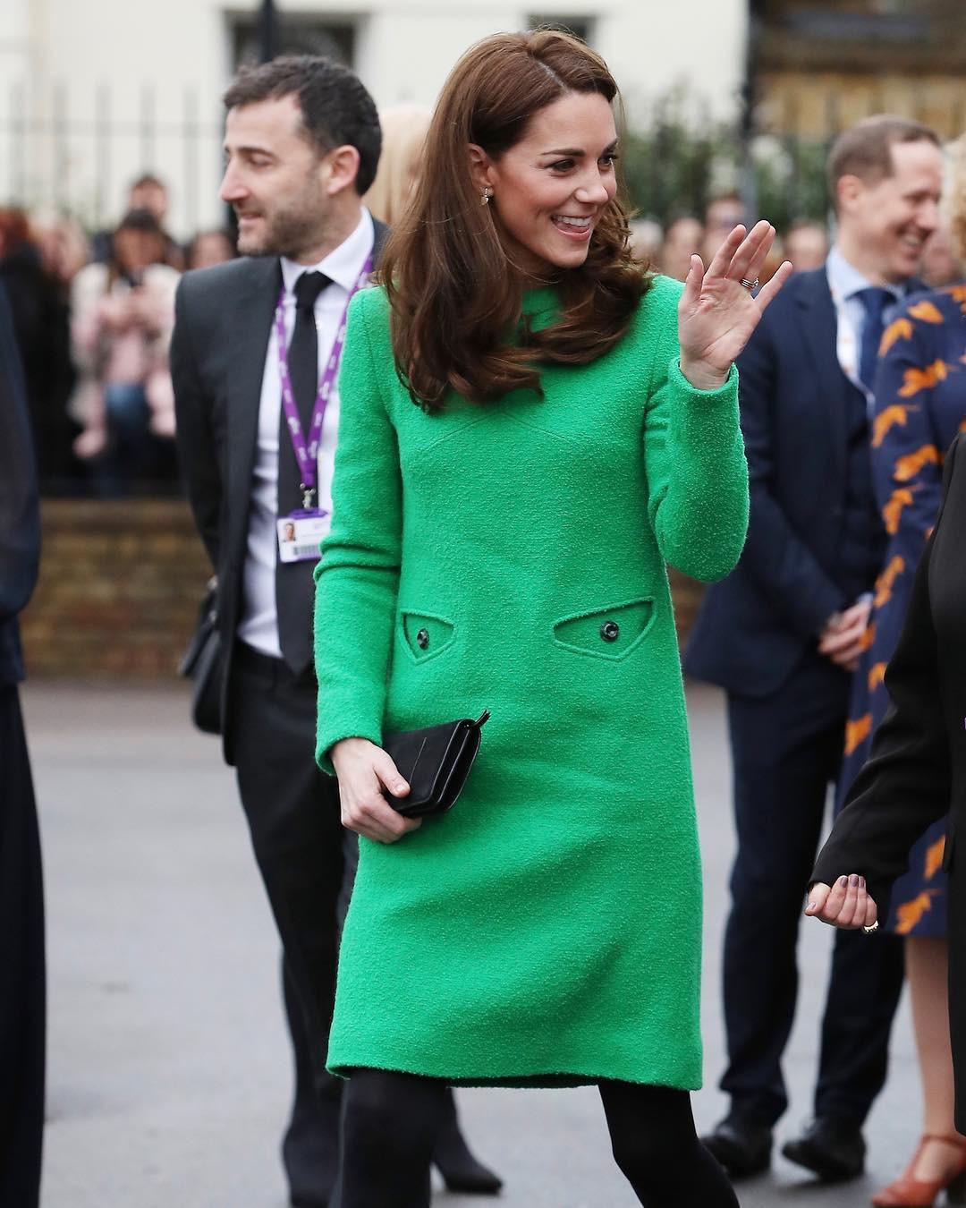 Là Công nương coi nét thanh lịch làm chuẩn nhưng chị em dâu Kate và Meghan cũng nhiều lần mắc lỗi trang phục khó đỡ - Ảnh 2.
