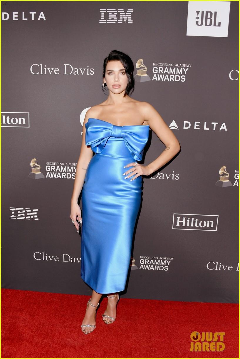 Tiệc tiền Grammy 2019: Kylie Jenner đẹp đến nao lòng, đọ sắc cùng người bố chuyển giới và dàn sao hot - Ảnh 7.