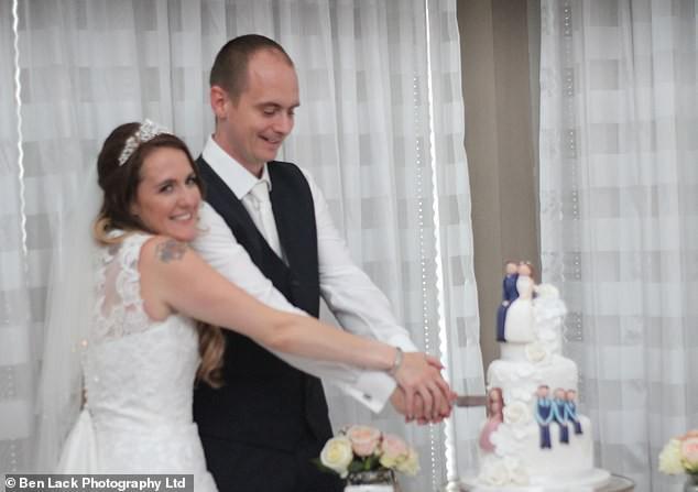 Hơn 200 cặp vợ chồng cùng kiện công ty nhiếp ảnh vì nhận được ảnh cưới mờ tịt, xấu hơn chụp bằng smartphone! - Ảnh 9.