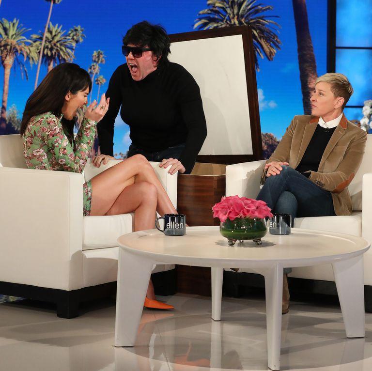Nhây như mẹ của Kendall Jenner: Núp lùm để dọa con gái một phen hết hồn - Ảnh 3.