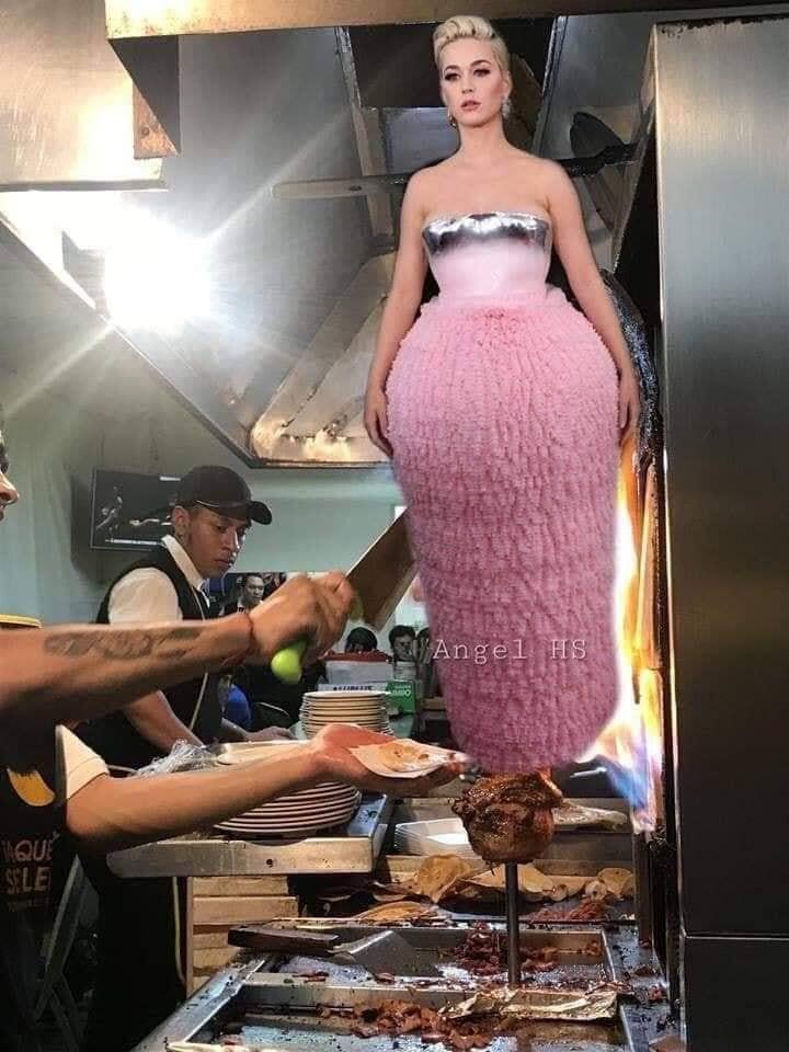 Tất cả những gì Katy Perry có ở Grammy 2019 là một bộ váy xấu tệ tặng kèm chùm ảnh chế - Ảnh 8.