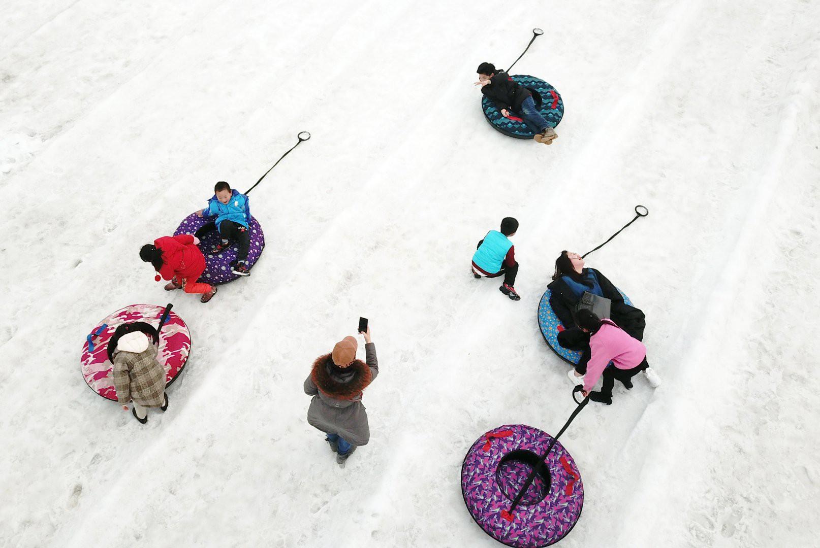 Vẻ đẹp trong trẻo của tuyết mùa xuân ở Trung Quốc khiến nhiều tín đồ du lịch cuồng chân dù đã hết Tết - Ảnh 5.