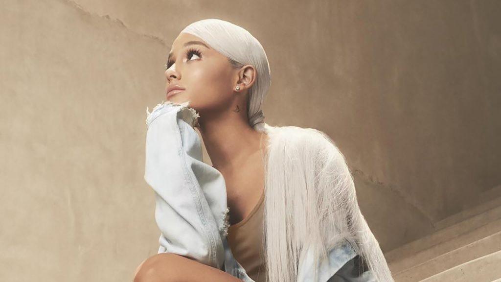 Grammy 2019: Thua cuộc trước Ariana Grande, Taylor Swift vuột mất cơ hội đi vào lịch sử - Ảnh 3.
