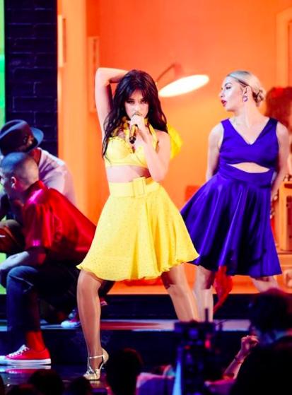 Cập nhật Grammy 2019: Miley Cyrus đốt mắt fan, lộ diện chủ nhân của giải thưởng Song Of The Year - Ảnh 3.