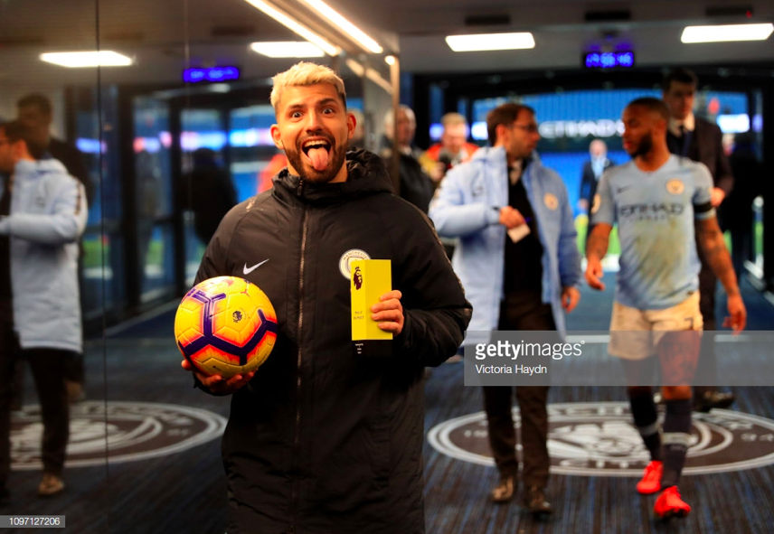 Bỏ lỡ cơ hội ngon ăn theo cách khó tin, Aguero nhận một lạy từ HLV Pep Guardiola - Ảnh 7.