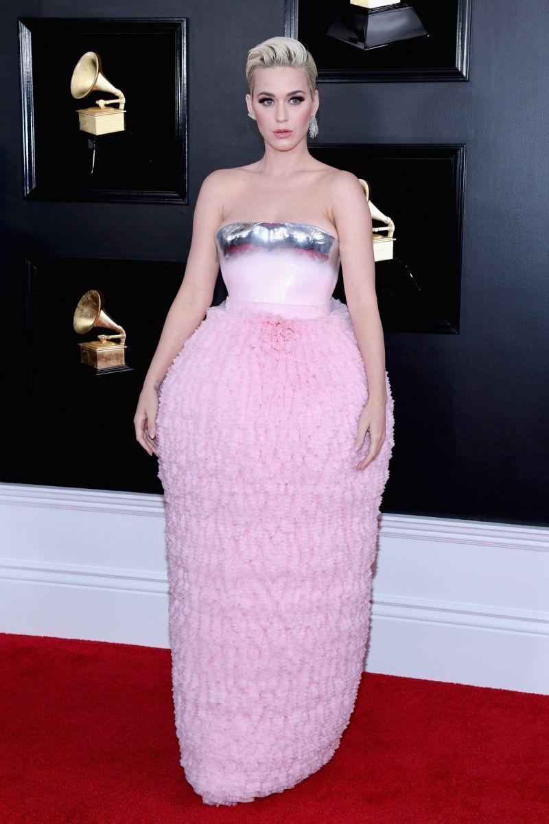 Mặc cùng một BST: Katy Perry trông lạ mắt, Kylie Jenner thì chiếm trọn spotlight tại Grammy vì... mặc xấu - Ảnh 1.