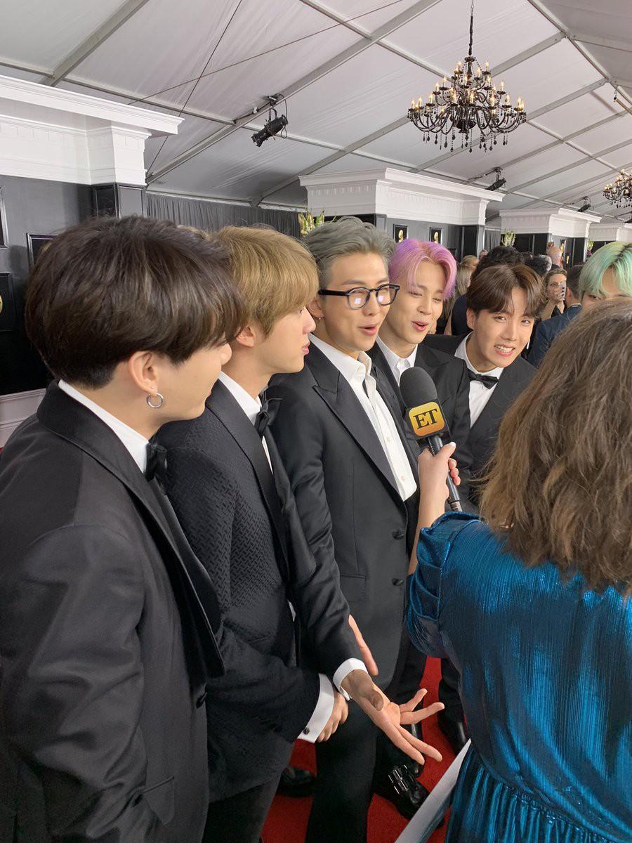 Cả thế giới đang phát cuồng vì BTS tại thảm đỏ Grammy 2019: Siêu bảnh, đẳng cấp, bắn tiếng Anh đầy tự tin - Ảnh 7.