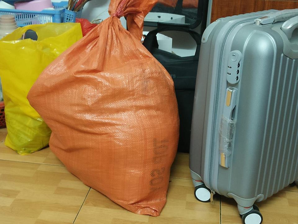 Trở về thành phố sau Tết, sinh viên hớn hở khoe tình yêu của gia đình qua núi thực phẩm vác theo - Ảnh 9.