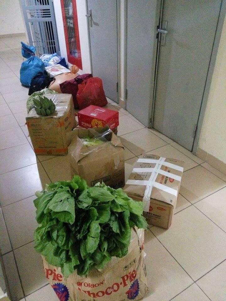 Trở về thành phố sau Tết, sinh viên hớn hở khoe tình yêu của gia đình qua núi thực phẩm vác theo - Ảnh 12.
