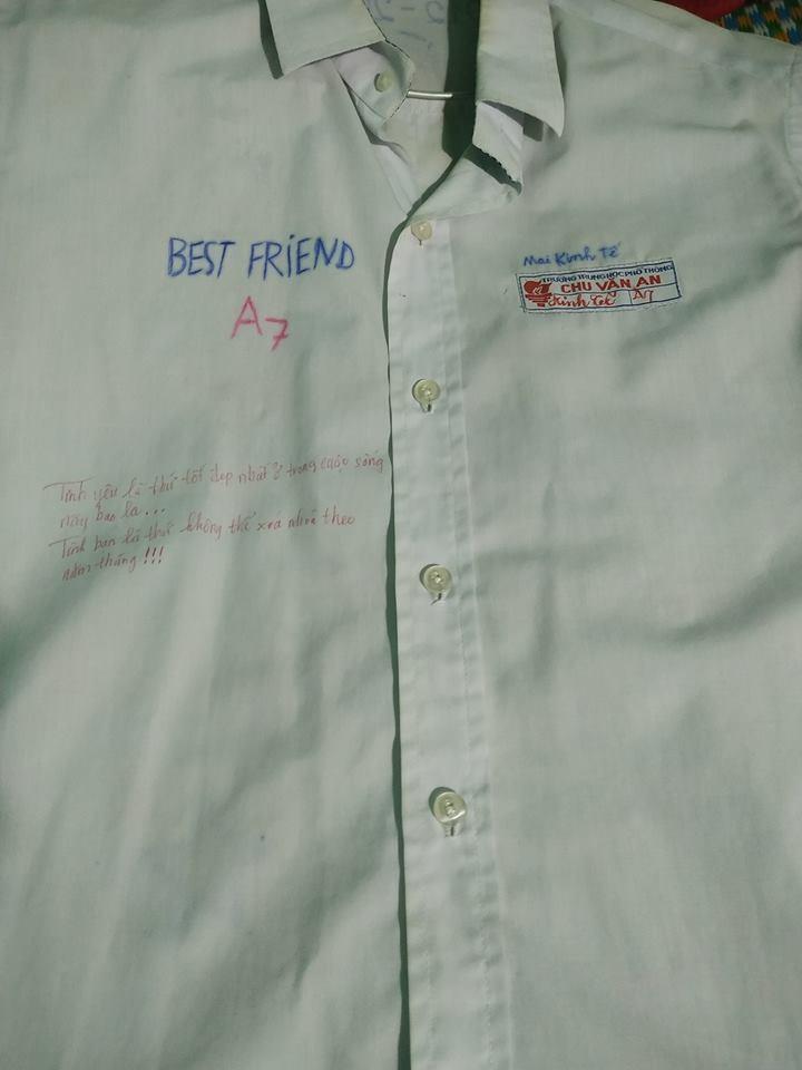 Vô tình tìm thấy chiếc áo đồng phục cũ, cậu bạn chia sẻ câu chuyện buồn của lớp mình khiến ai cũng bồi hồi - Ảnh 3.