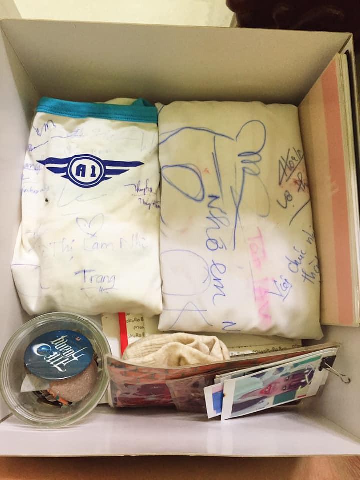 Vô tình tìm thấy chiếc áo đồng phục cũ, cậu bạn chia sẻ câu chuyện buồn của lớp mình khiến ai cũng bồi hồi - Ảnh 7.