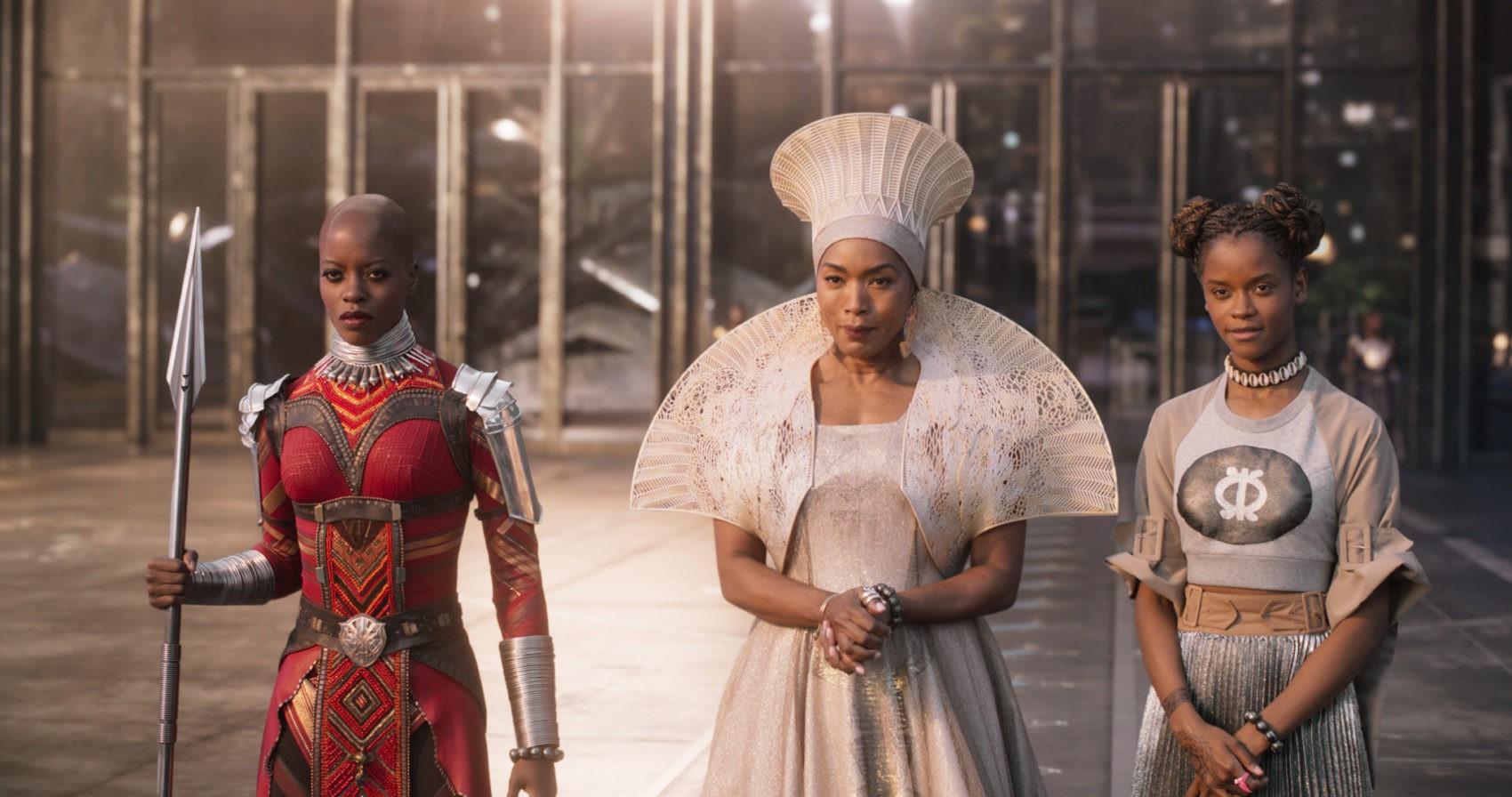 """Muôn màu Trang phục xuất sắc nhất Oscar 2019: Cuộc săn lùng ngai vàng của những bộ cánh thời """"ông bà anh"""" - Ảnh 4."""
